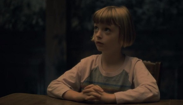 Poppy haunting of hill house