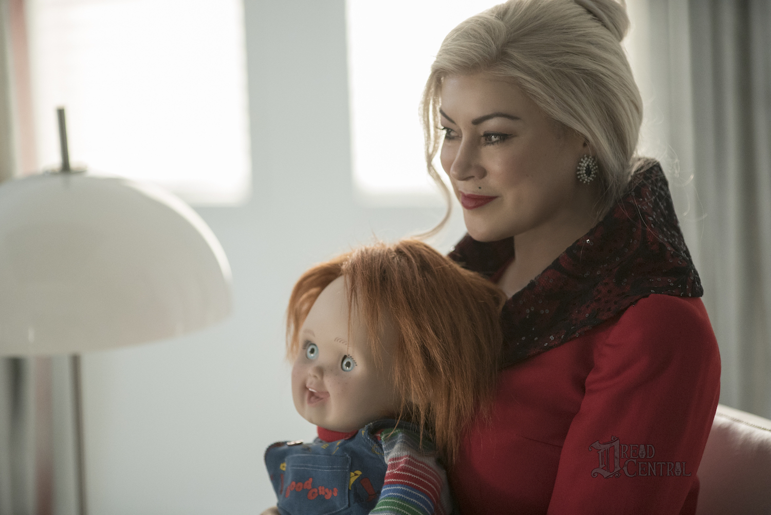 child s play chucky and tiffany get close in new cult of chucky image